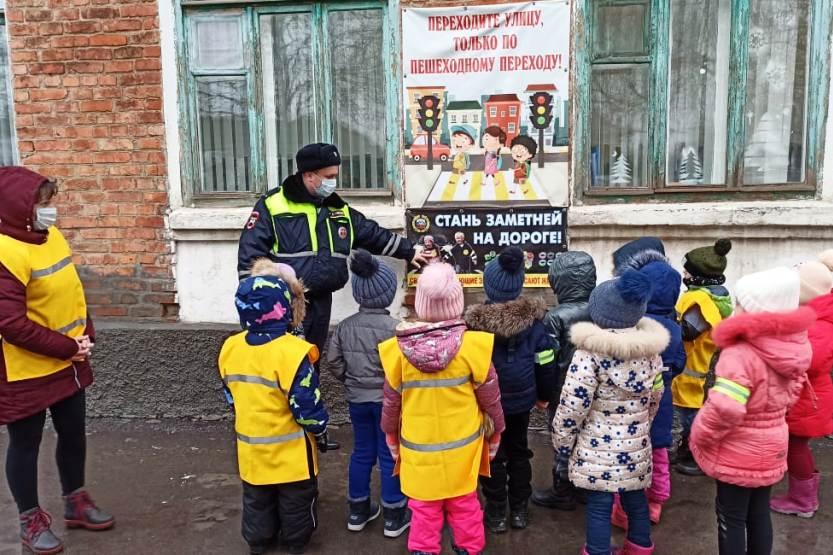 Широкомасштабная акция «Зимним дорогам — безопасное движение» проведена на Дону